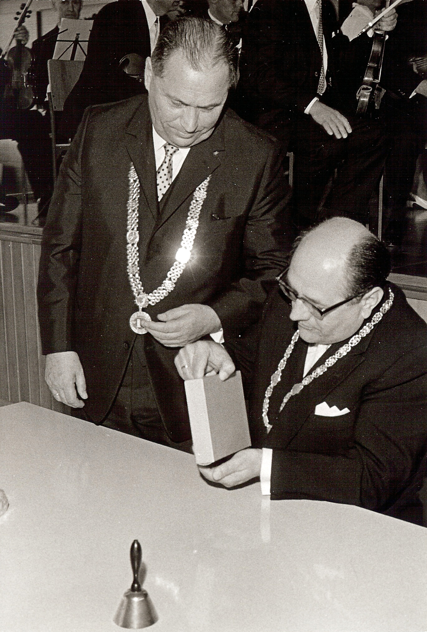 1969-stadterhebung-moegele-sandner
